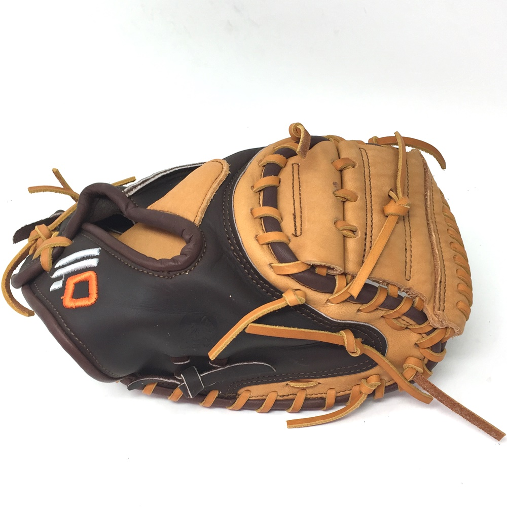 nokona-alpha-select-series-30-inch-youth-catchers-mitt-right-hand-throw S-120C-2020-RightHandThrow Nokona 808808893929 The Alpha series is created with virtually no break-in needed and