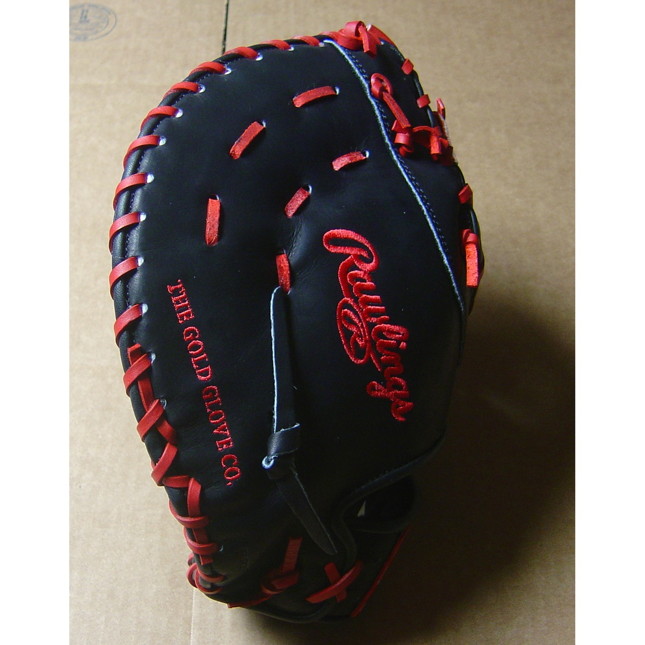 This Heart of the Hide players series 1st Base model features an open Web. With its 12.75 inch pattern, this glove is designed to scoop and flatten out wide so you can trap the ball as it comes from any direction. The Heart of the Hide players series features the game-day patterns of the Rawlings Advisory staff. Available in select Heart of the Hide model, these high quality gloves have defined the careers of those deemed The Finest in the Field and are now available to elite athletes looking to join the next class of defensive greats. This glove is the same pattern worn by Prince Fielder.